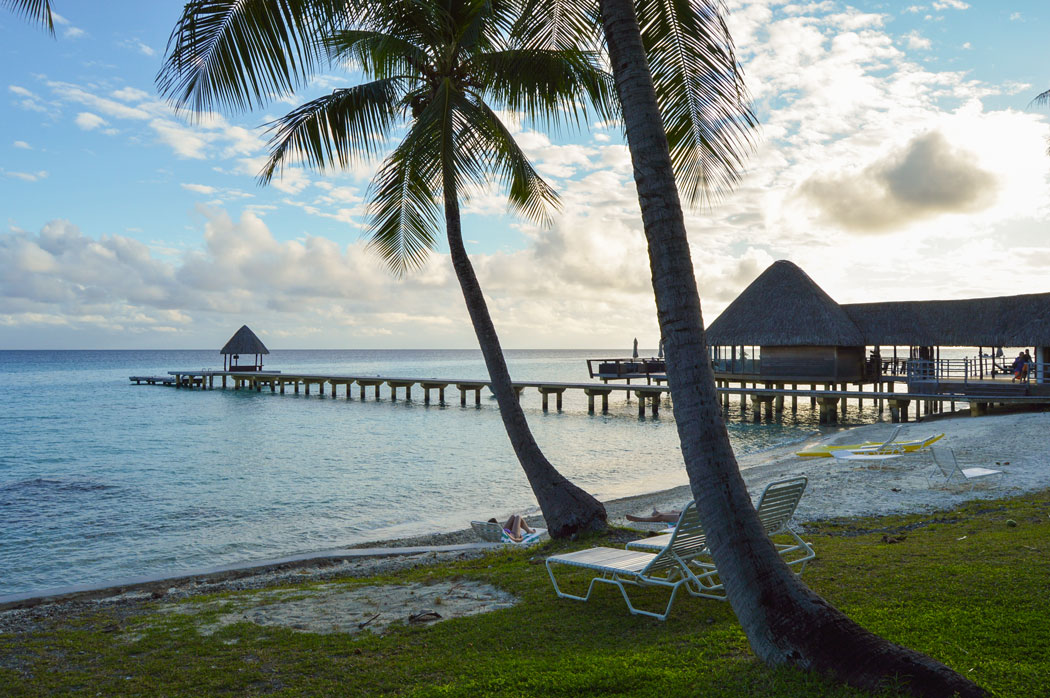 playa al atardecer en Tuamotu